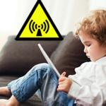 Var fjärde 2 – 3-åring  använder surfplatta. Varningstexter behövs